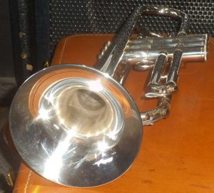 VINTAGE YAMAHA YTR-732 PROFESSIONAL TRUMPET with CASE